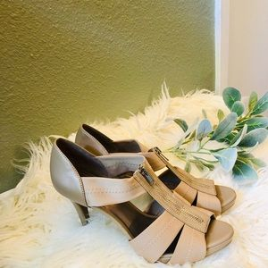 Moda Spana Size 10 Taupe 4 inch heel sandals